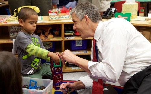U.S. Secretary of Education Arne Duncan at the Woodland Early Learning Center. Photo Source: U.S. Department of Education Flickr page